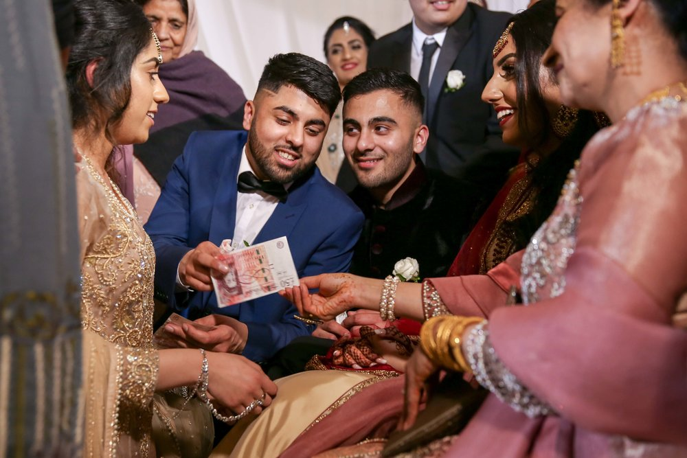 Female-asian-wedding-photographer-Cardiff-City-Hall-natalia-smith-photography-37.jpg