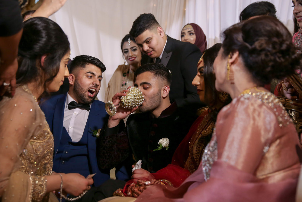 Female-asian-wedding-photographer-Cardiff-City-Hall-natalia-smith-photography-38.jpg