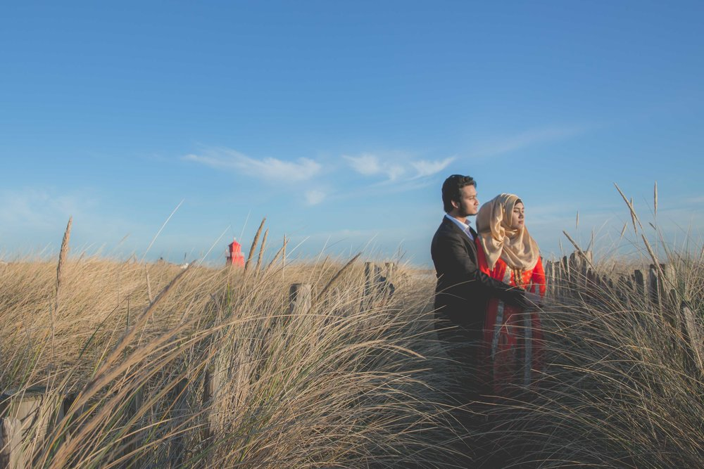 newcastle-beach-lighthouse-couple-prewedding-pre-wedding-shoot-asian-wedding-photographer-natalia-smith-photography-1.jpg
