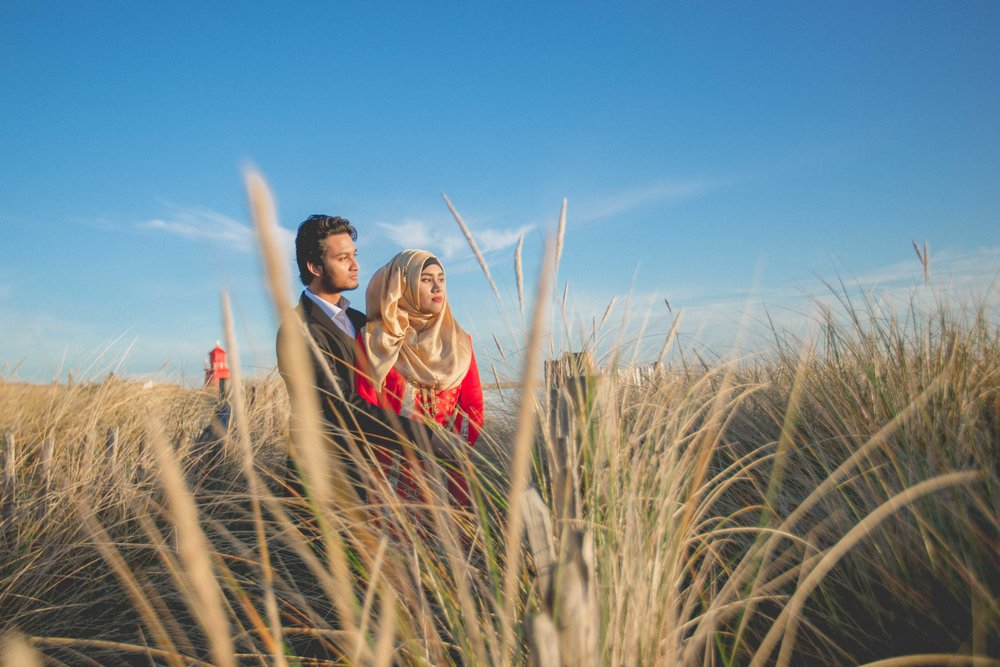 newcastle-beach-lighthouse-couple-prewedding-pre-wedding-shoot-asian-wedding-photographer-natalia-smith-photography-2.jpg