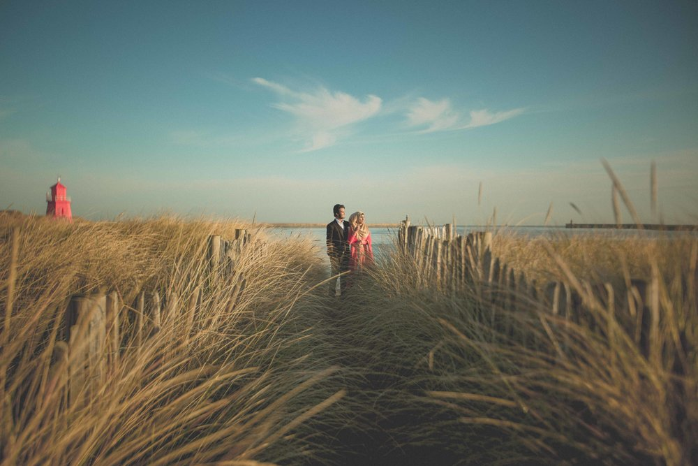 newcastle-beach-lighthouse-couple-prewedding-pre-wedding-shoot-asian-wedding-photographer-natalia-smith-photography-8.jpg