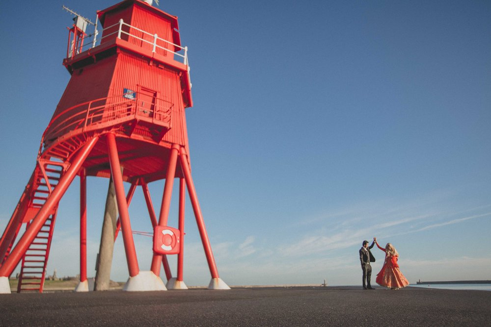 newcastle-beach-lighthouse-couple-prewedding-pre-wedding-shoot-asian-wedding-photographer-natalia-smith-photography-16.jpg