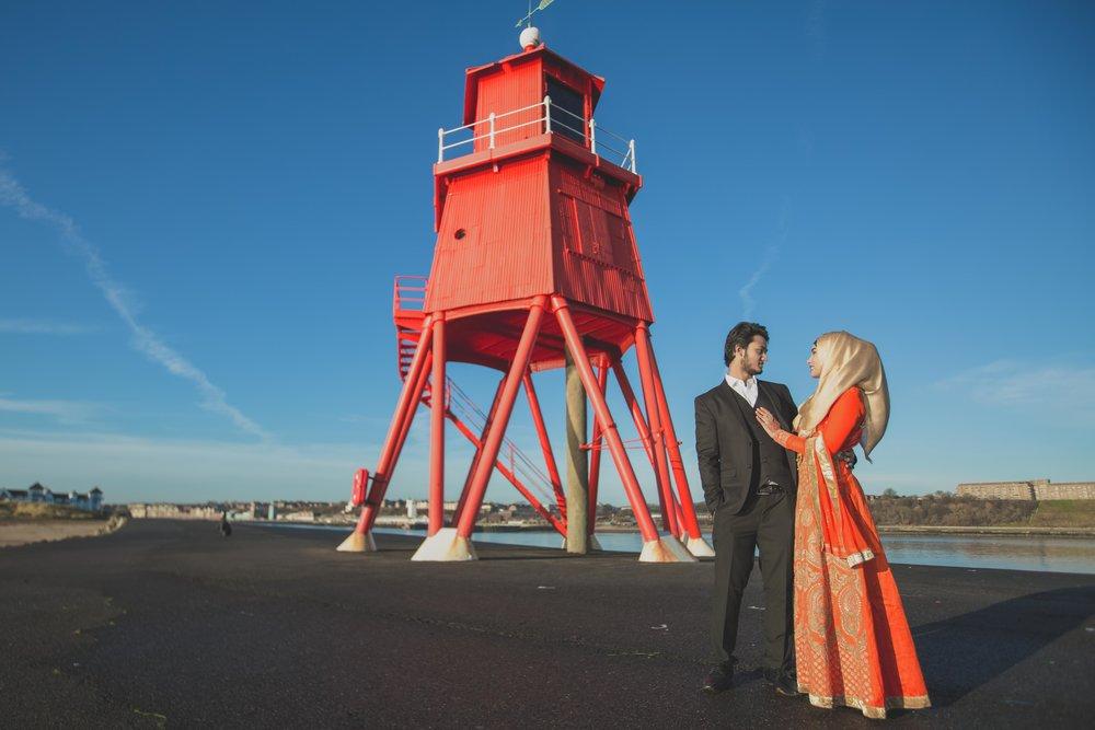 newcastle-beach-lighthouse-couple-prewedding-pre-wedding-shoot-asian-wedding-photographer-natalia-smith-photography-17.jpg