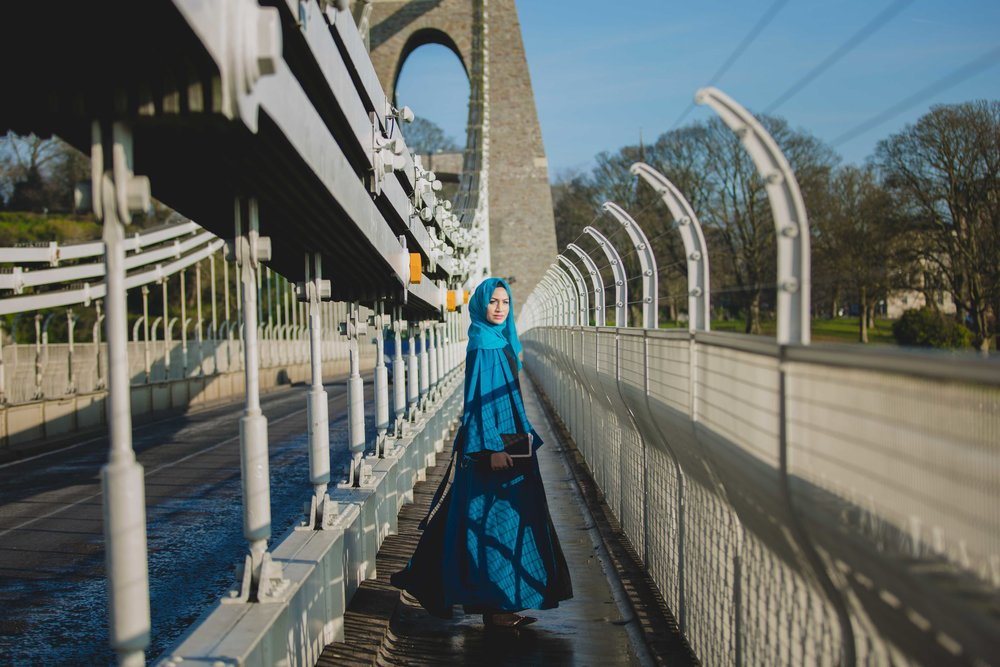suspension-bridge-modest-street-aisha-rahman-fashion-photography-london-bristol-natalia-smith-photography-19.jpg
