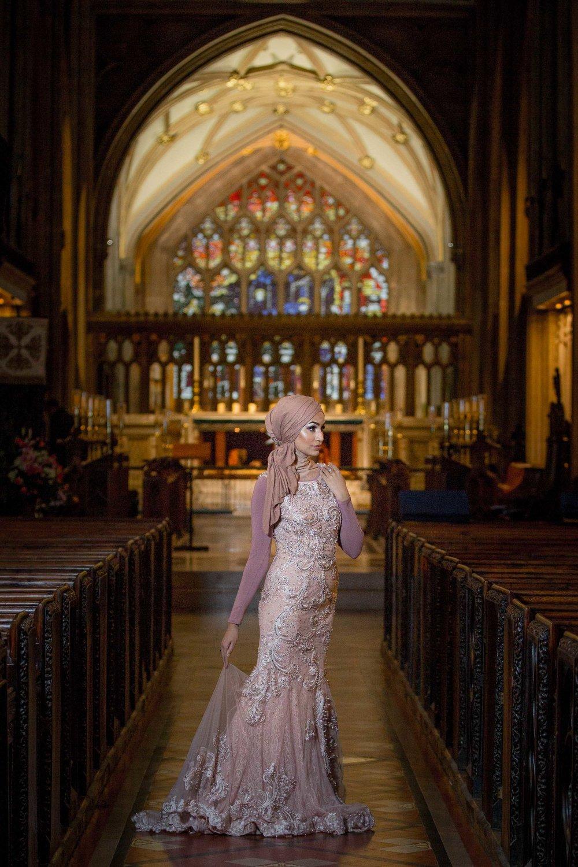 modest-street-aisha-rahman-fashion-photography-london-bristol-natalia-smith-photography-st-St-Mary-Redcliffe-Church-1.jpg