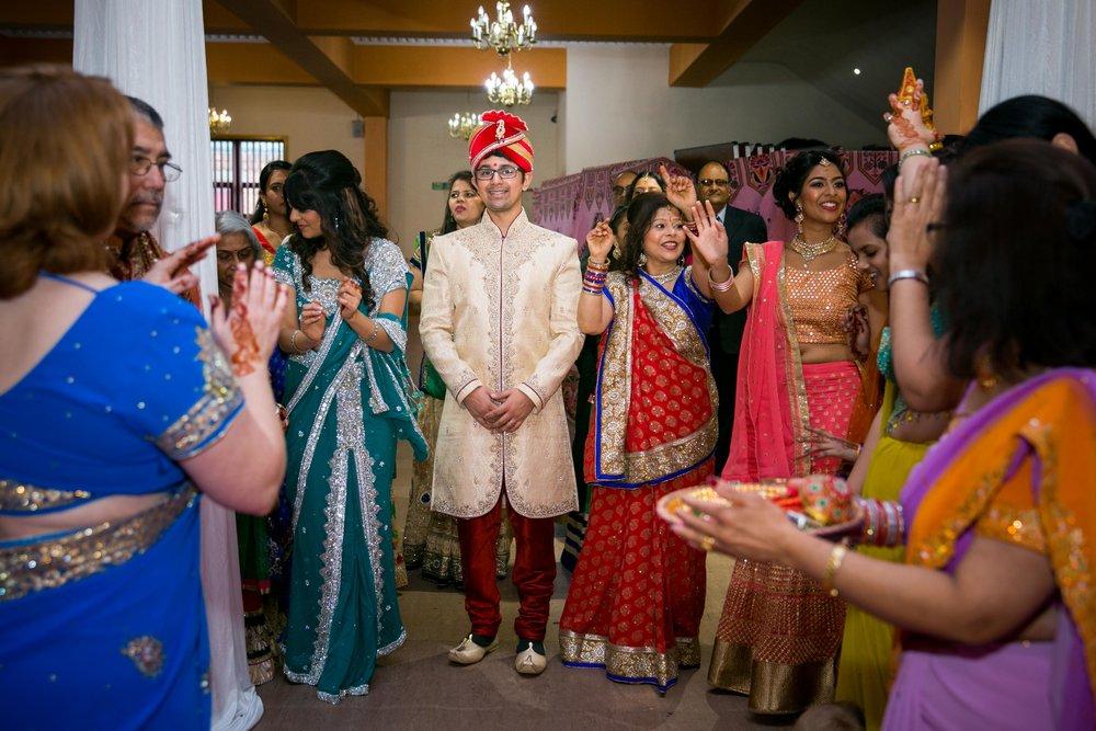 asian-Hindu-wedding-photographer-birmingham-abbey-park-leicester-natalia-smith-photography-28.jpg
