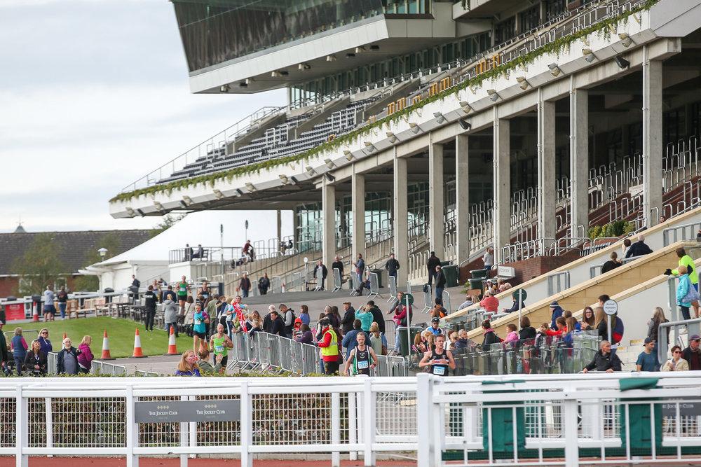 Macmillan-charity-marathon-run-cheltenham-racecourse-september-2018-natalia-smith-photography0036.jpg