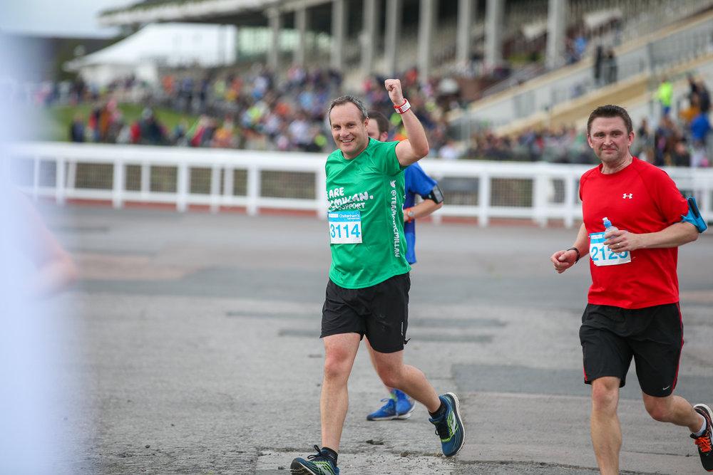 Macmillan-charity-marathon-run-cheltenham-racecourse-september-2018-natalia-smith-photography0181.jpg