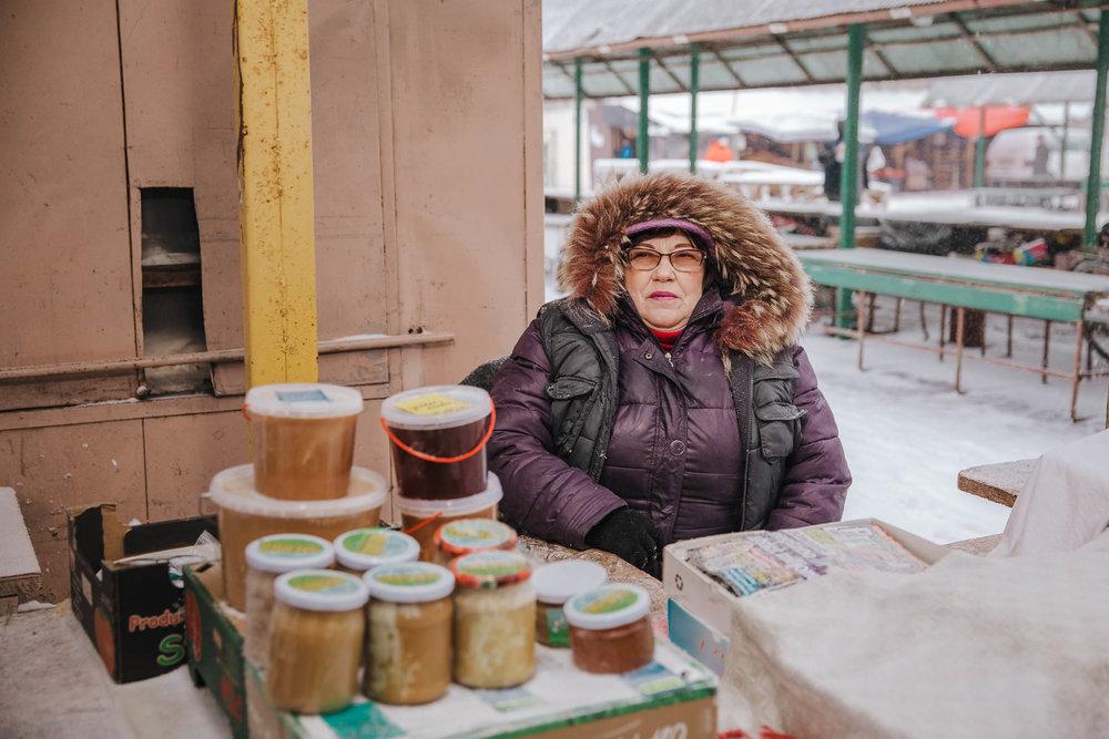 environmental-portrait-post-soviet-country-market-latvia-eastern-europe-emigre-natalia-smith-photography-0007.jpg