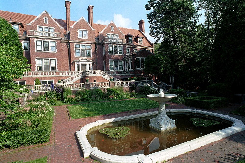 "Treat your favorite gal to a ""  Great Gals' Getaway  ""  The overnight includes a visit to our historic Glensheen Mansion -   Contact us Today"