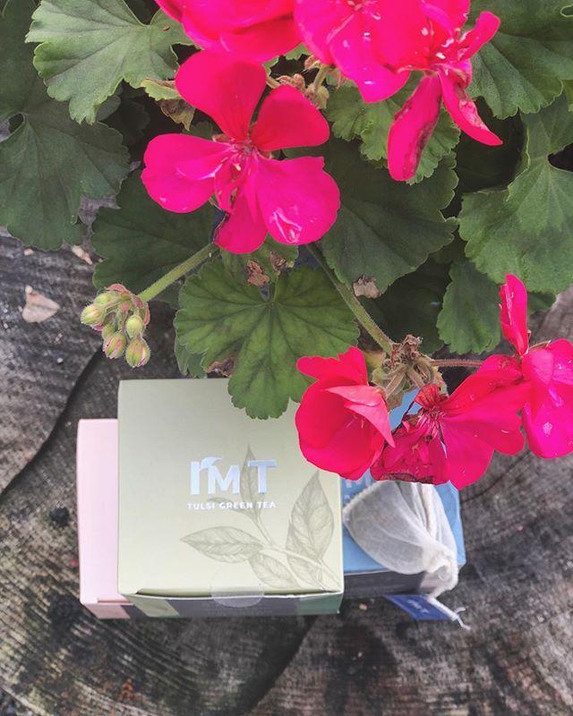 As pure as nature intended. . . . . . #christmasfair #goodmorning #christmasdecor #teatime #christmas #christmasgifts #giftideas #giftsforher #flashesofdelight #friyay #fridaymood #myunicornlife #lifestyle #healthylifestyle #healthyfood #naturephotography #naturelovers #tea #christmaslist #petitejoys #passion #slowliving #littlethings