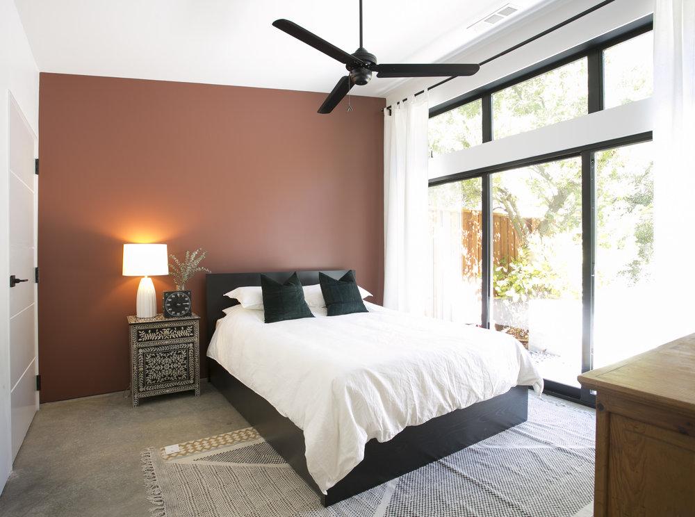 switch-house-gen-m-modern-bedroom-accent-wall.jpg