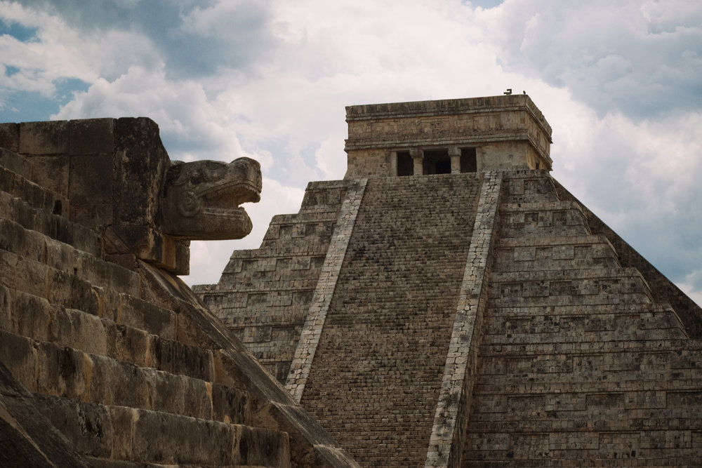 On Daily bases, Chichen itza receives an average of 4,500 visitors. Originally, the city was built and structured to received large crowds.