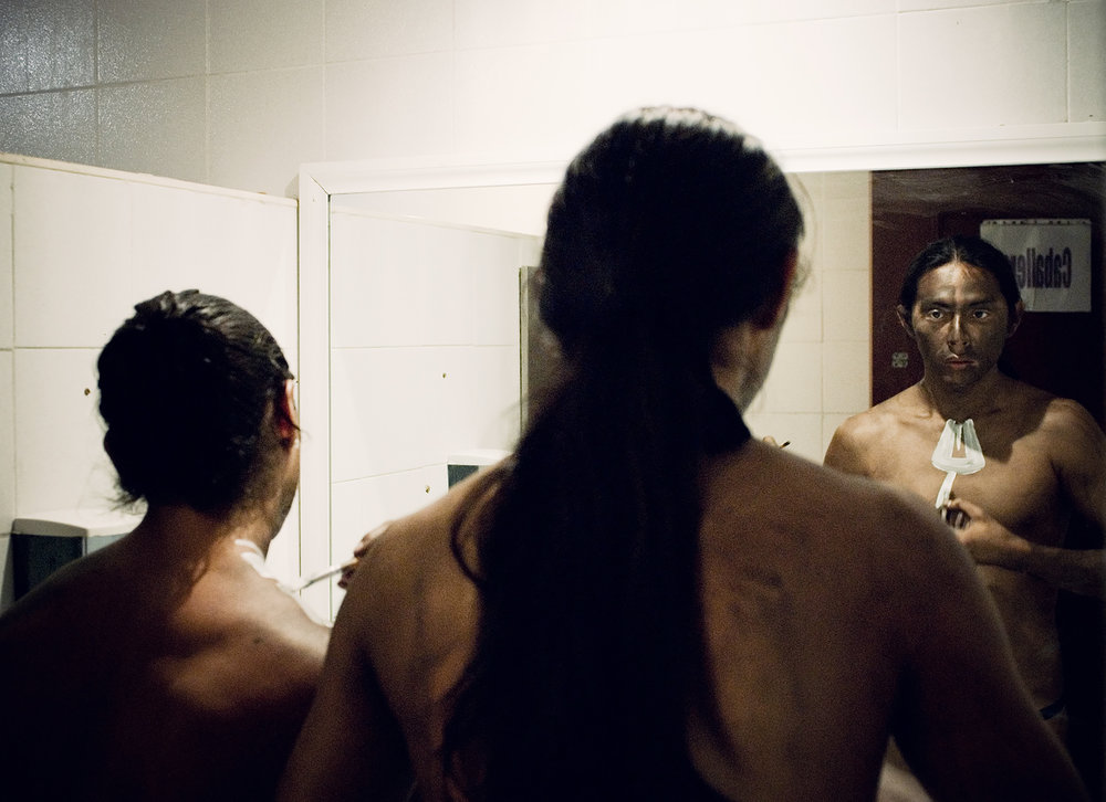 wojtek-jakubiec-photographer-montreal-mayan-mexico-documentary-Mayan-Men-getting-ready-for-show.jpg