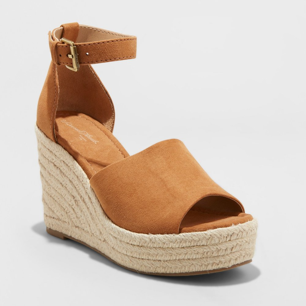 - These look just like the Marc Fisher wedges that every blogger owns that are $150! These are the perfect dupes for them and under $33! Click here to shop them before they sell out!