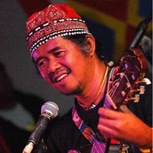 Datu Rodelio 'Waway' Saway  is a Philippine Tribal Leader of the Talaandig people in Bukidnon, shares and expands on tribal tradition as a composer, singer, instrument maker, and visual artist.  A co-founder and teacher of the Talaandig School of Living Traditions, he has performed throughout the Philippines and Asia with his musical group, and with Grace Nono's Tao Music.  He is the creative force behind the development of sustainable livelihood in tribal arts, including soil painting and instrument-making.  A consummate innovator, he creates music instruments that are musically-sound works of art.  He has performed Lincoln Center, performing in the Grammy-nominated DEORO: THE BROOKLYN MANILA PROJECT, Featuring Dave Eggar and Chuck Palmer.