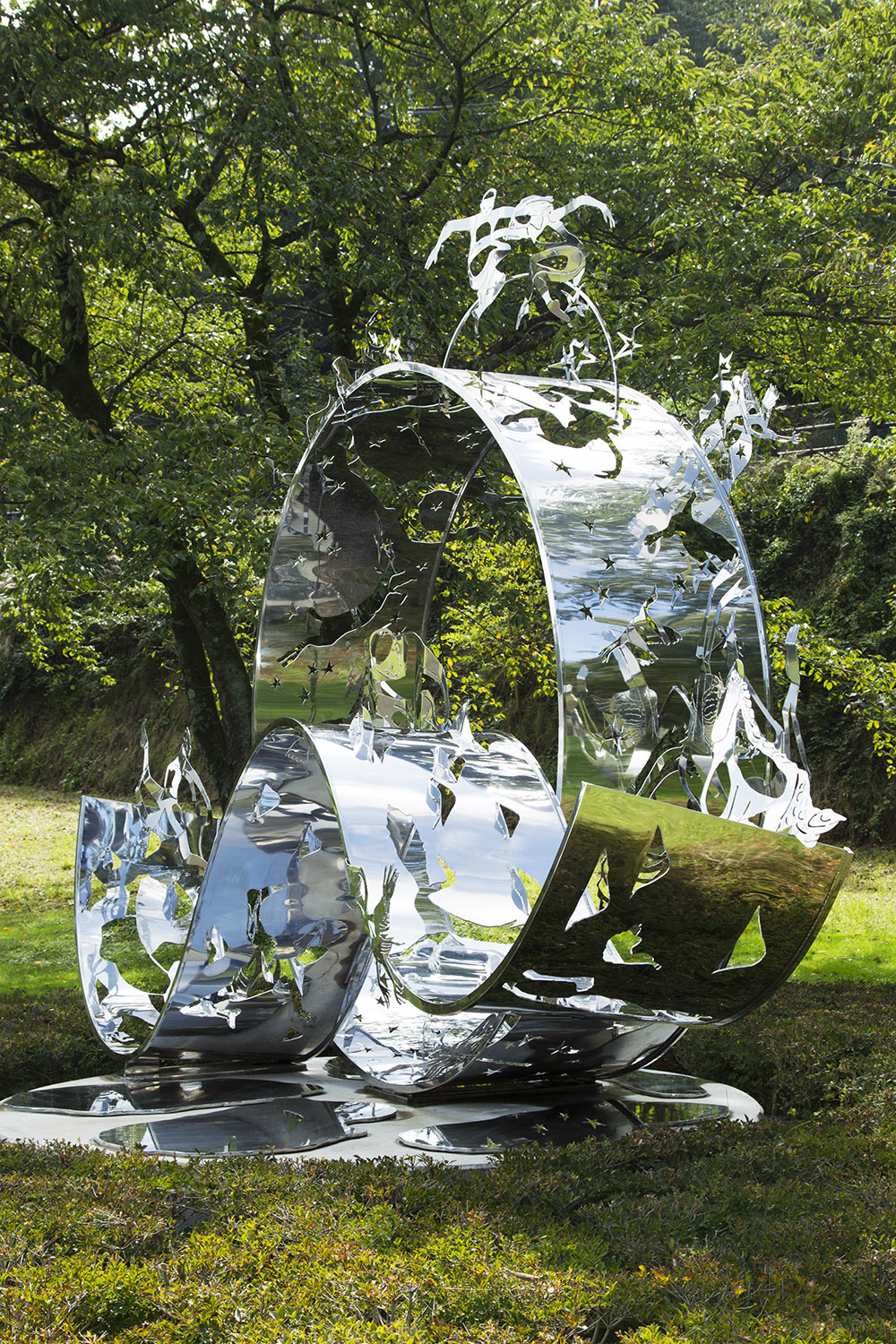 22.d-Ono-Dreams-2012.-Stainless-steel-4.1-x-5.2-x-4.6-m-x.jpg