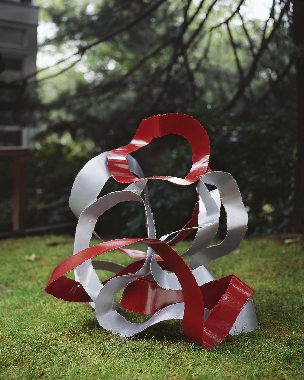 2.b-Ono-Cavorting-2006.-Mild-steel-91.4-x-81.3-x-81.3-cm-x.jpg