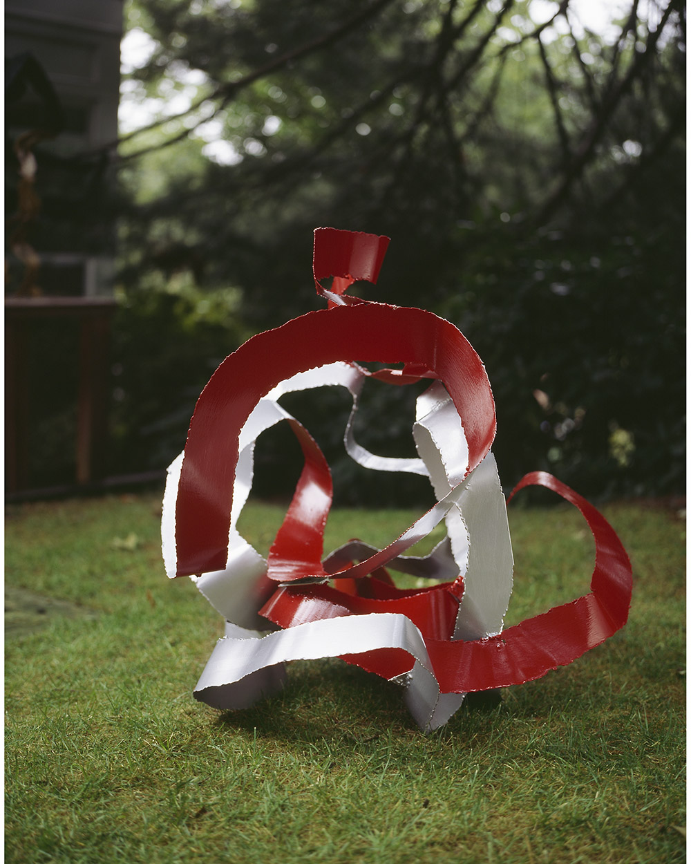 2.c-Ono-Cavorting-2006.-Mild-steel-91.4-x-81.3-x-81.3-cm-x.jpg