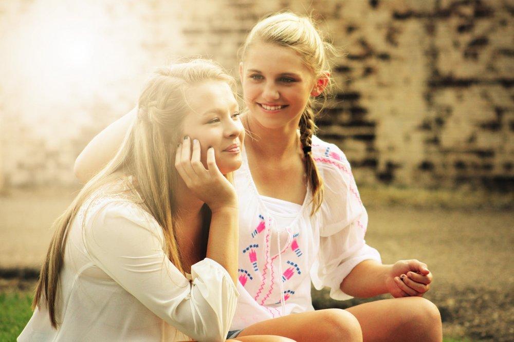 pretty-girls-happy-young-55811.jpg