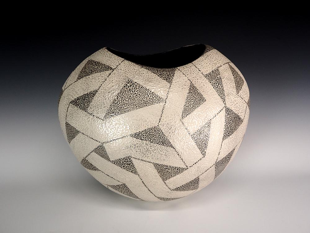 IINUMA Koichi Silver Vase1.jpg