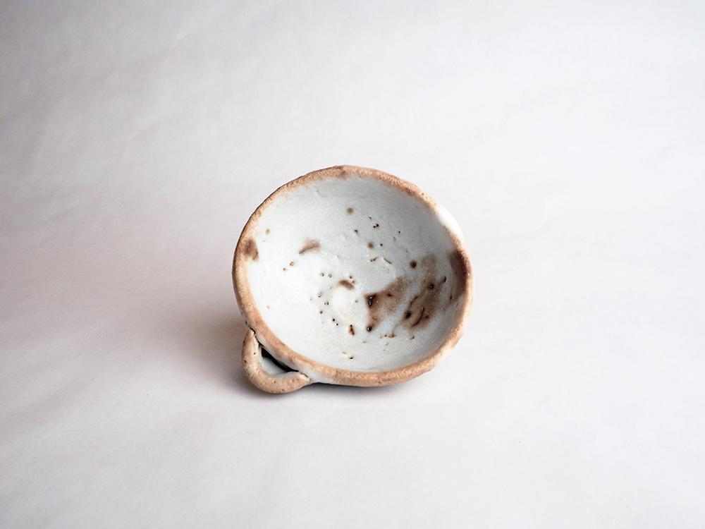 HIGASHIDA Shigemasa Shino Katakuchi Sake Cup2-3.jpg