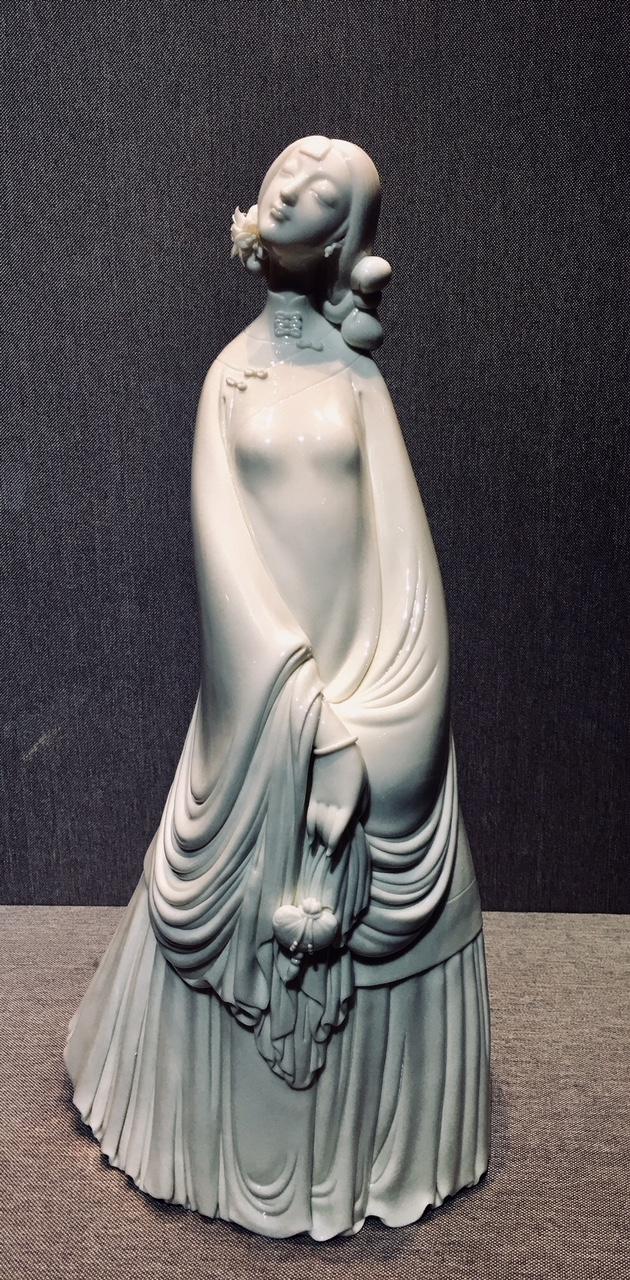Standing lady, glazed white porcelain