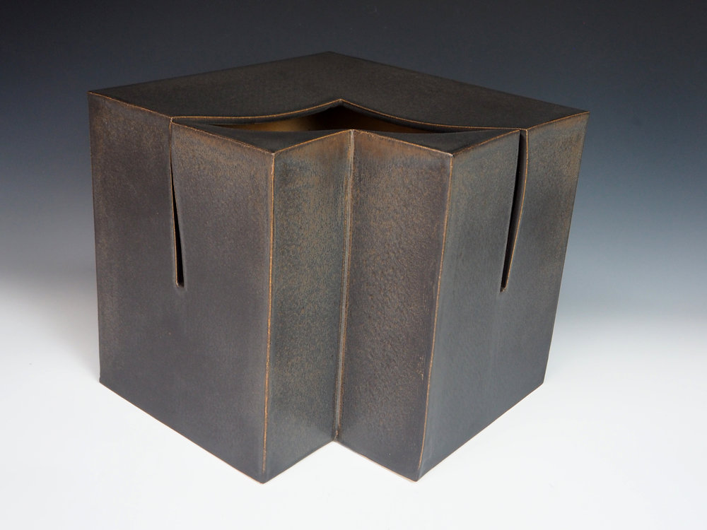 KIYOMIZU Rokubei VIII | Iron-glazed Pottery Sculpture cube