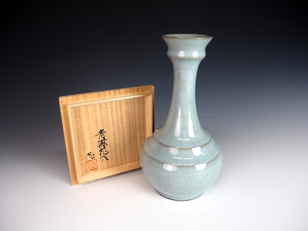KAWASE Shinobu Celadon Vase5.jpg
