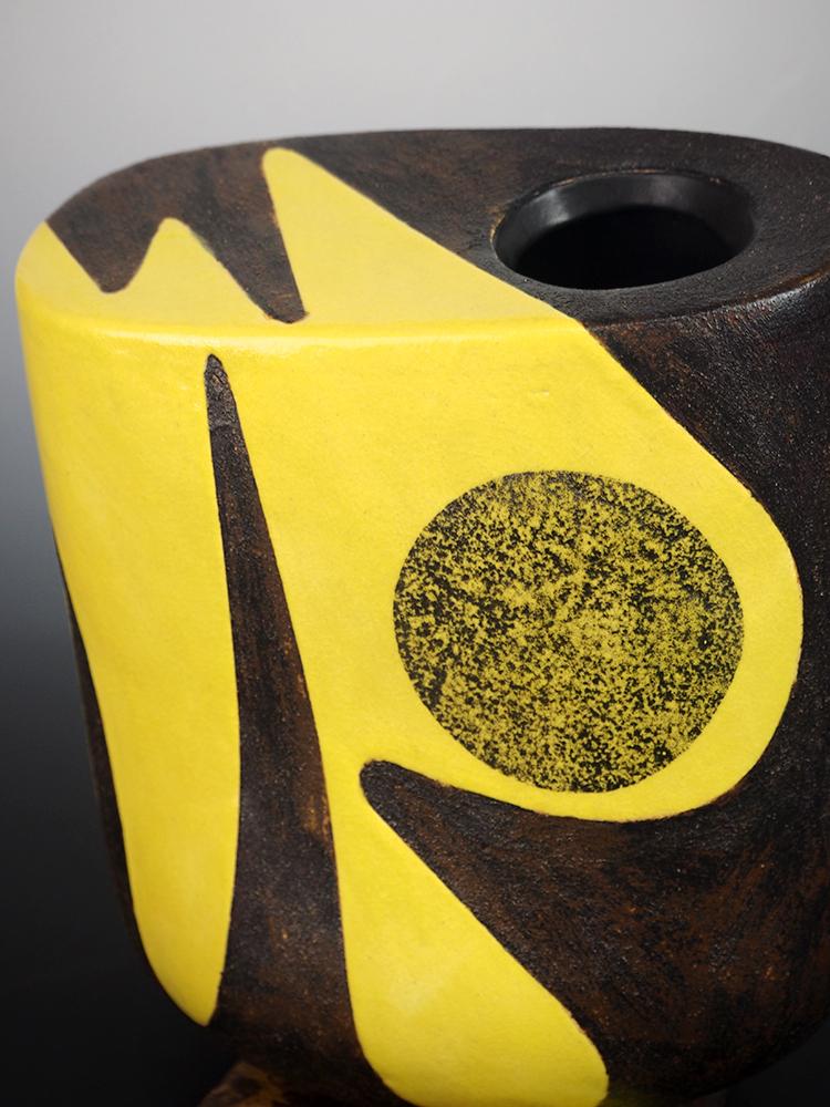 YANAGIHARA Mutsuo Yellow Oribe Flower Vase 7.jpg