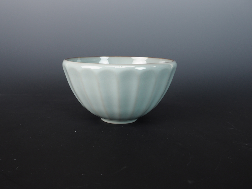 KAWASE Shinobu Celadon Tea Bowl-2.jpg