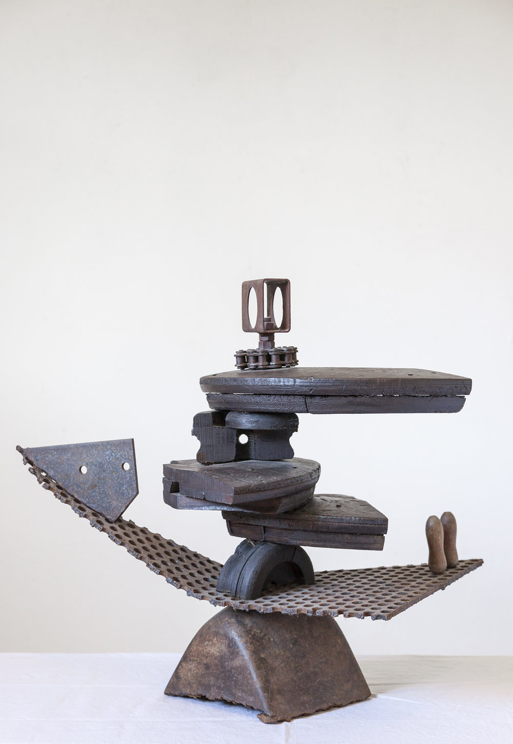 Randal-Arvilla-Mechanism-Sculpture