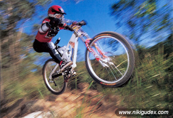 _nikigudex_on_bike_mtb02.jpg