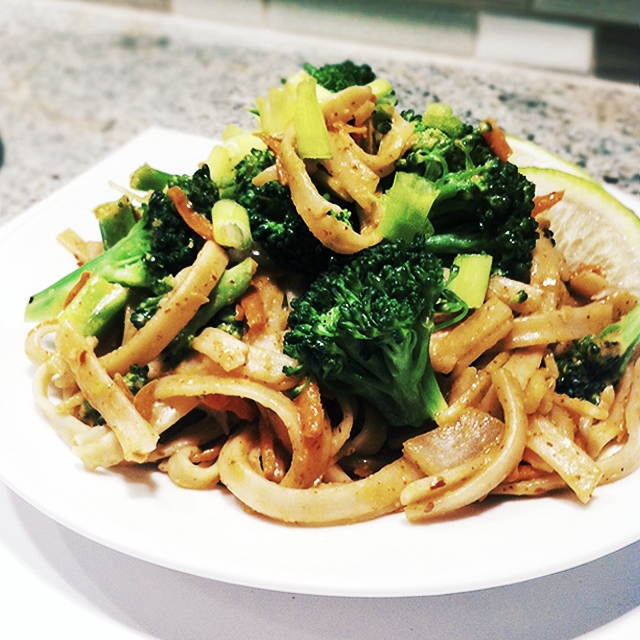 Vegetarian-Pad-Thai.jpg
