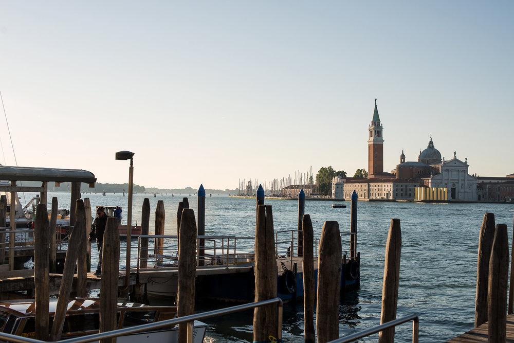 tidlig morgen i Venezias gater og kanaler (6).jpg