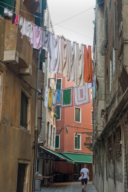 tidlig morgen i Venezias gater og kanaler (8).jpg