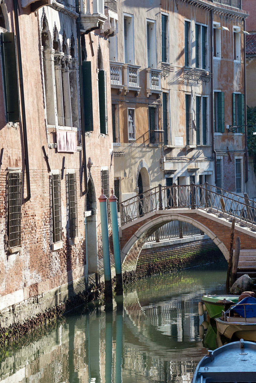 tidlig morgen i Venezias gater og kanaler (16).jpg