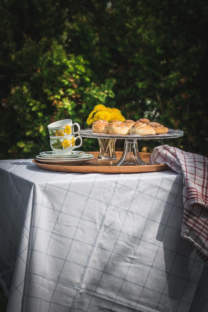 bord i hagen2-1.jpg