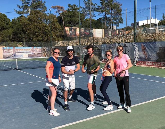 Smashed the first day, well done team...sunset beer time! @jelstons @indgejack @pippa_kingston #algarvetennisandfitnessclub #courtfitontour3 #tennis #mojoclothing #babolatplay #sunshine