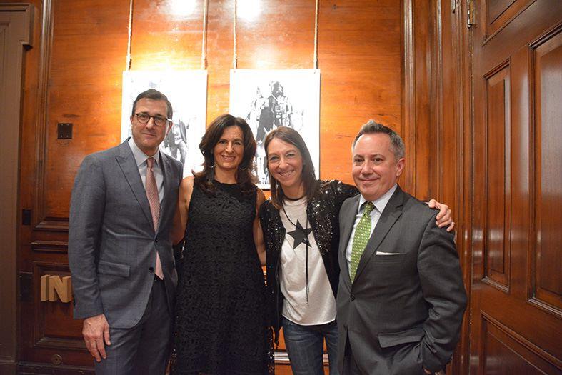 Opening. Embajador Consul Mateo Estreme y el Vice Consul Eduardo Almirantearena