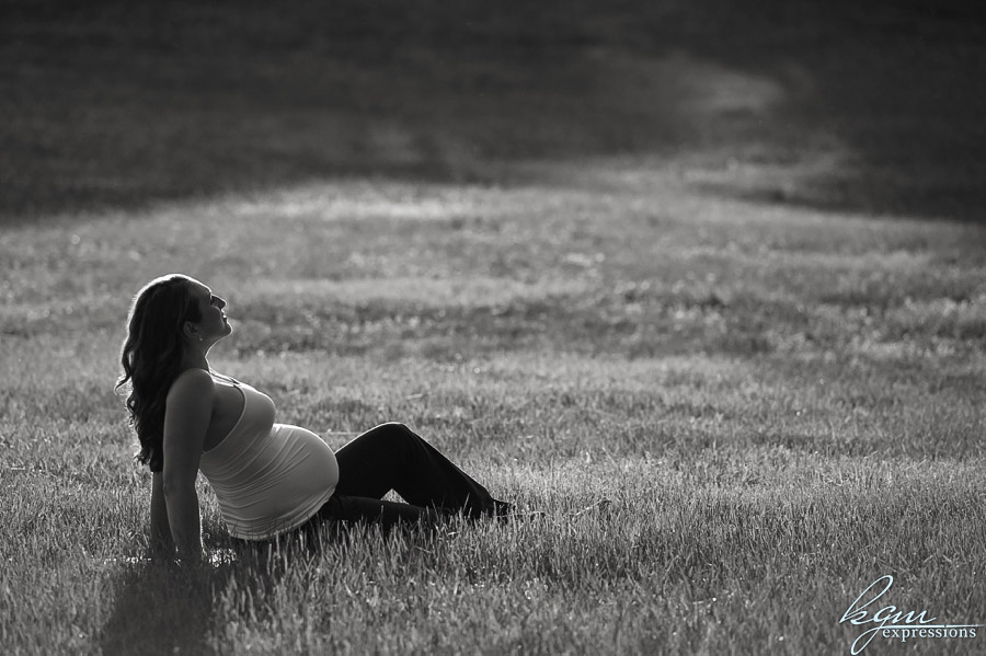 Outdoor Maternity Shoot