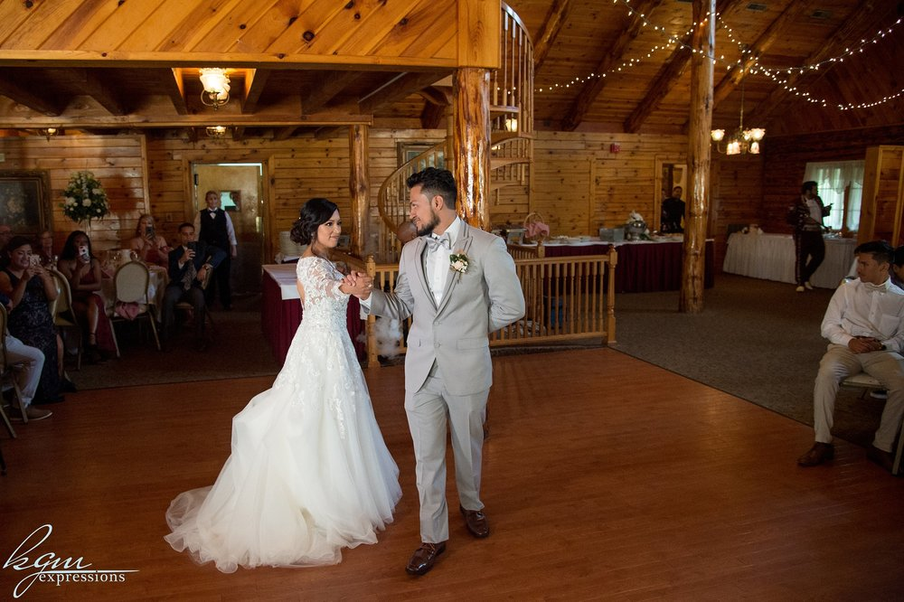 Masso's Red Pine Inn Wedding