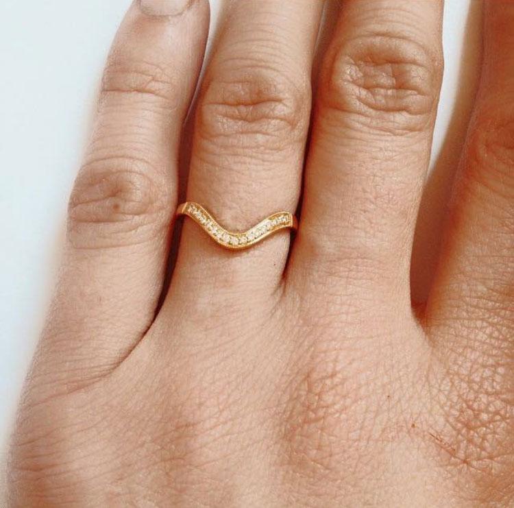 gold-diamond-engagement-ring.jpg