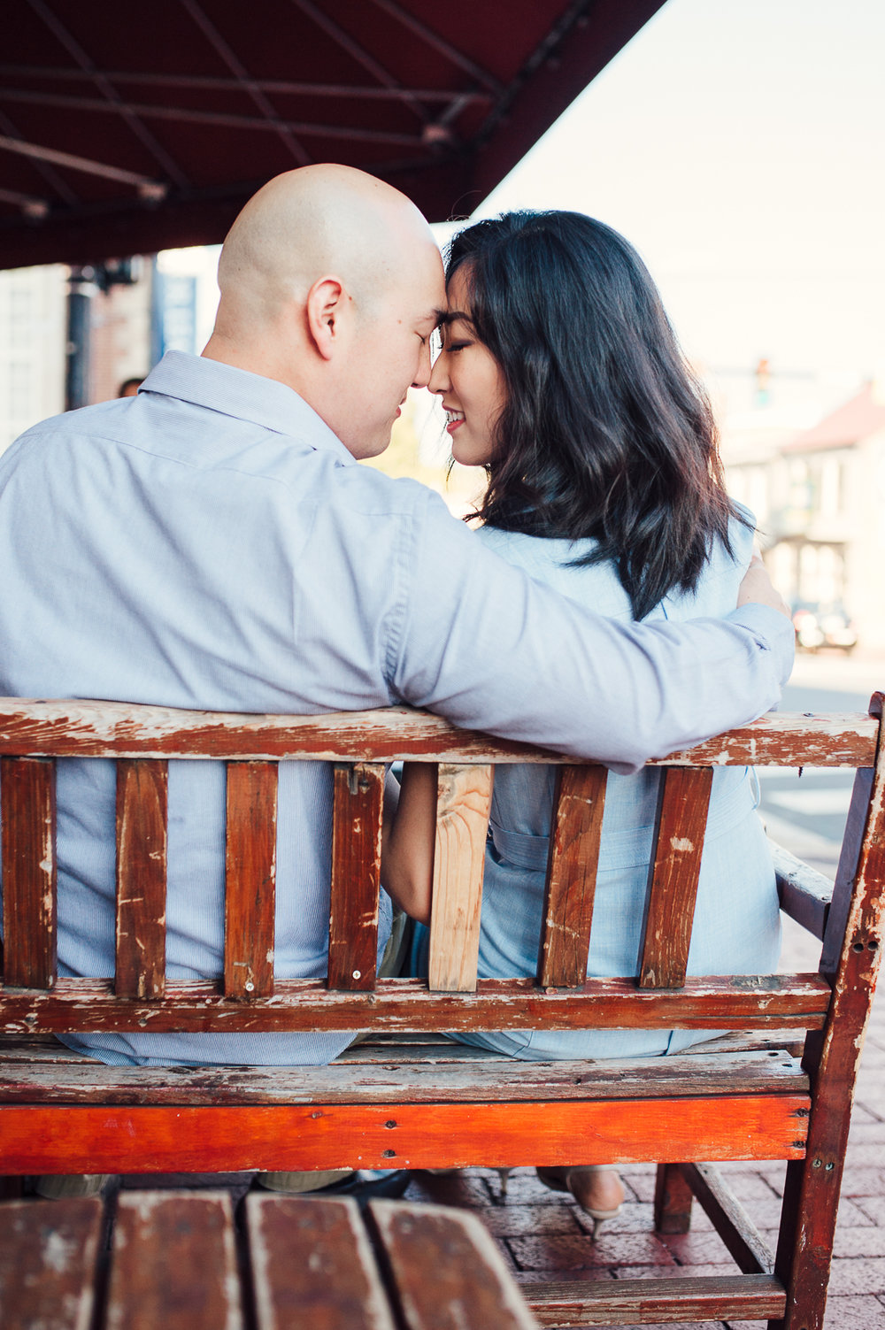 engagement_downtown_fredericksburg_virginiaweddingphotographer_youseephotography_HelenPaul (14).jpg