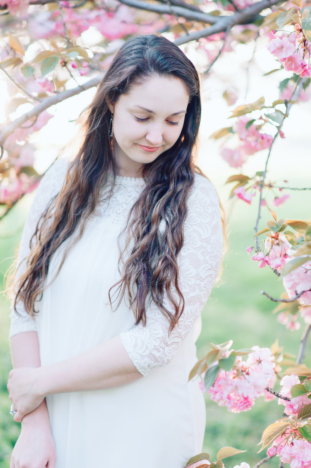 engagement_cherryblossoms_virginiaweddingphotographer_JanieHunter (9).jpg