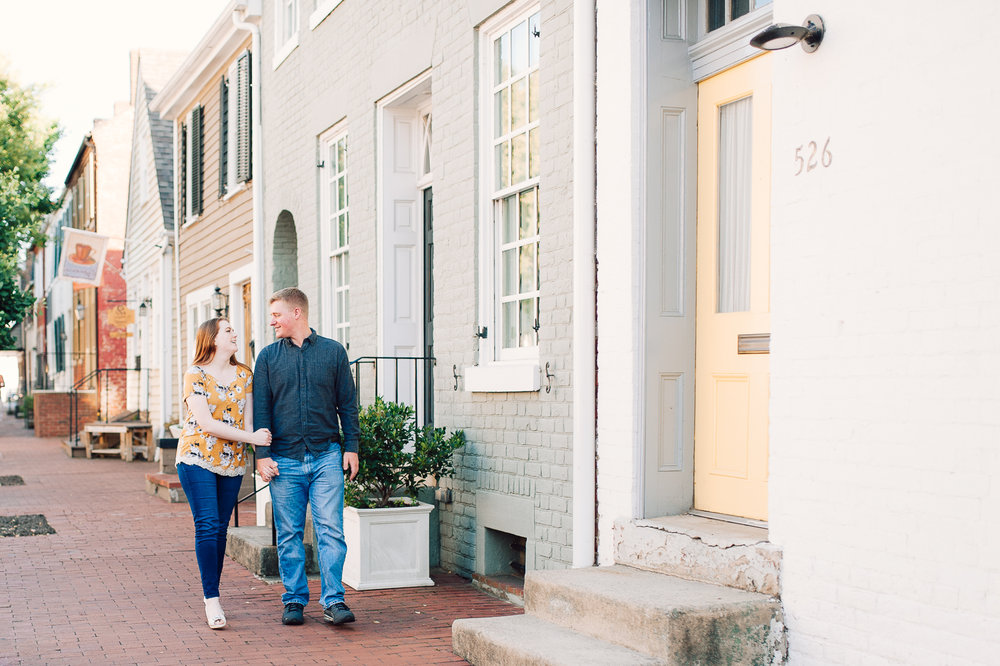 engagement_downtown_fredericksburg_virginiaweddingphotographer_youseephotography_ErinBrad (7).jpg