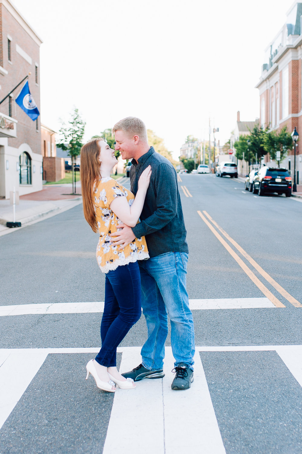 engagement_downtown_fredericksburg_virginiaweddingphotographer_youseephotography_ErinBrad (17).jpg