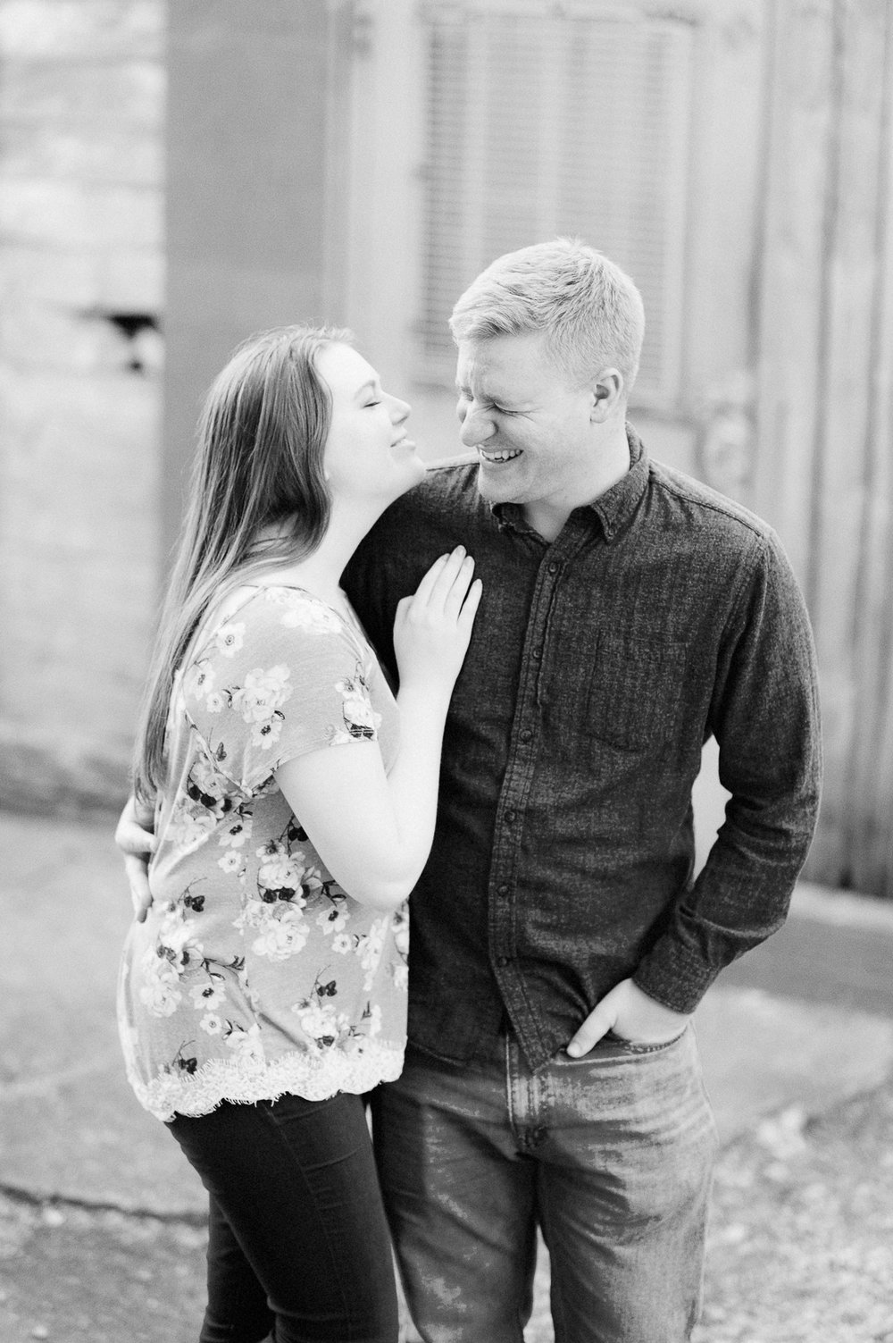 engagement_downtown_fredericksburg_virginiaweddingphotographer_youseephotography_ErinBrad (31).jpg