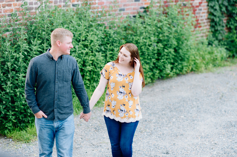 engagement_downtown_fredericksburg_virginiaweddingphotographer_youseephotography_ErinBrad (41).jpg