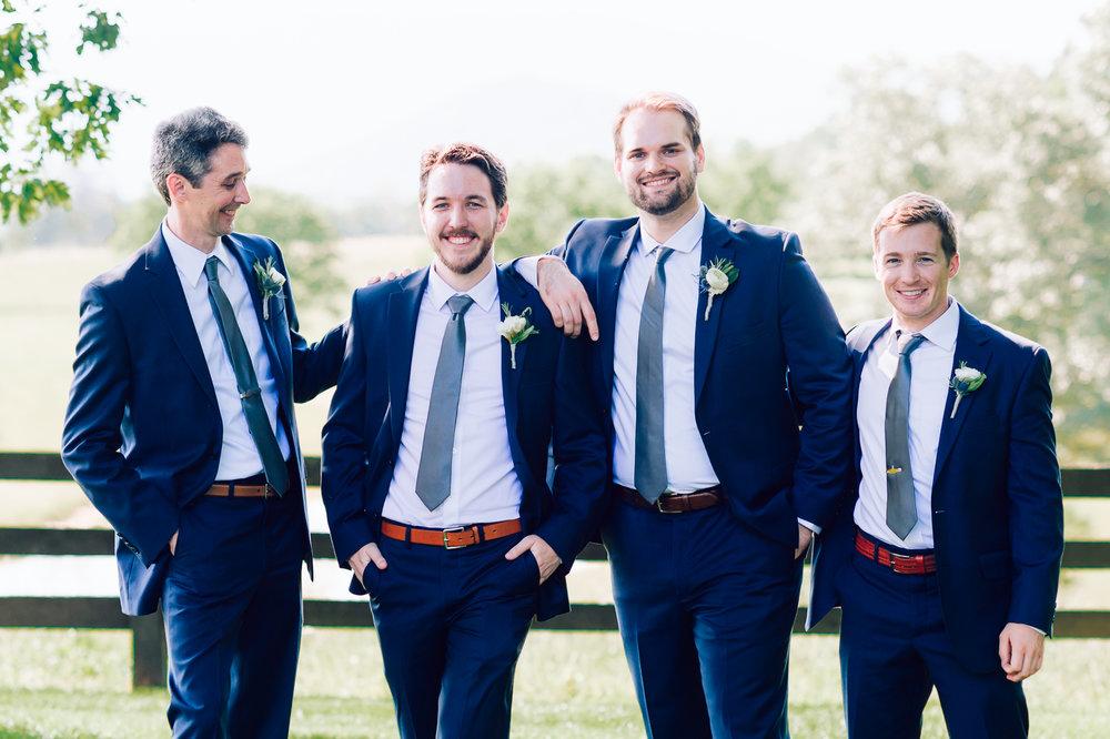 charlottesvillewedding_backyardwedding_virginia_youseephotography_CaitlinDerek (35).jpg